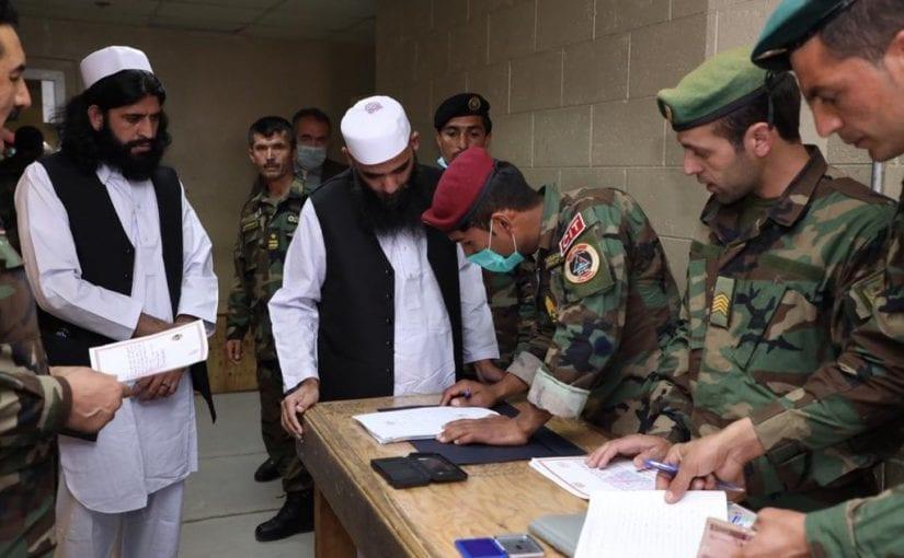 100 Taliban prisoners